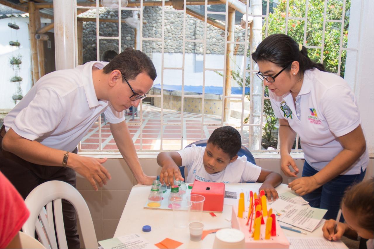 taller de formación de actividades para estimular las habilidades motoras y sensoriales