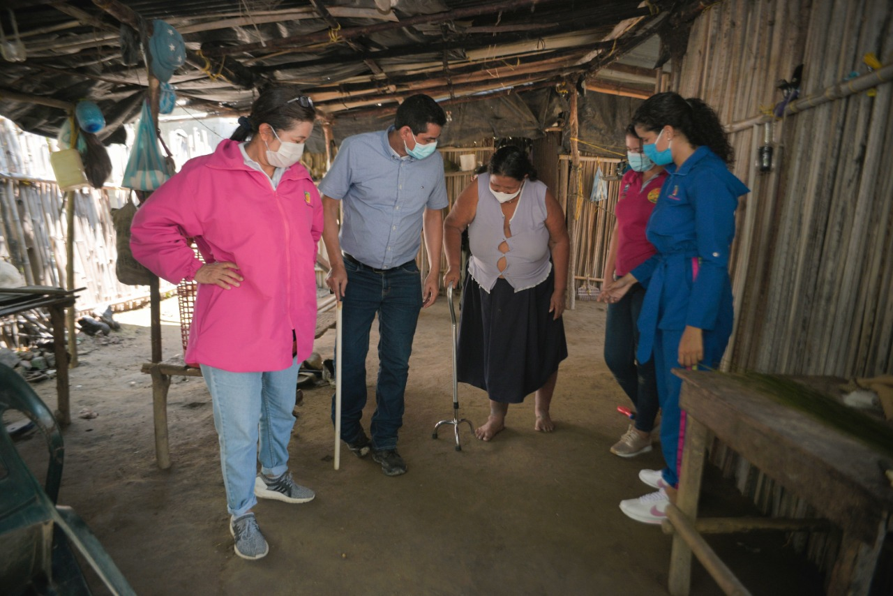 Intervenciones para nuestros beneficiarios en compañía del Alcalde Efraín Ortega