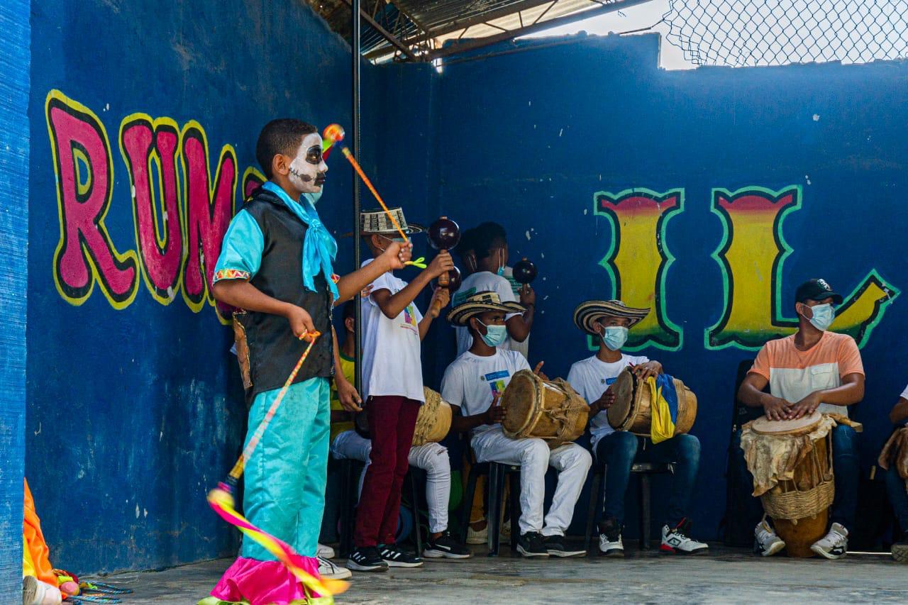 Espectáculo cultural del Proceso Formativo en Circo Teatro